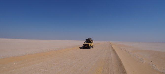 Dag 50-53 (16-19 okt.): Escortservice, gevaarlijke woestijnwegen en rust in Luxor