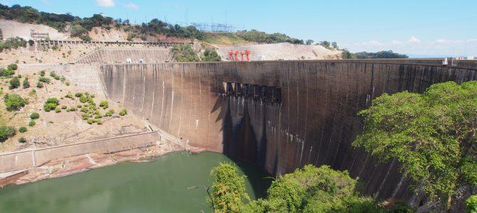 Dag 226-230 (9-13 apr.): Klussen in Lusaka, naar de dam in niemandsland en ontspannen aan het Kariba meer
