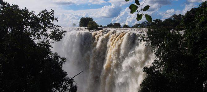 Dag 231-235 (14-18 apr.): Herinneringen ophalen en een nat pak halen bij de Victoria watervallen!