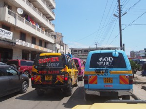 PC228408 - Kleurrijke busjes in Mombasa