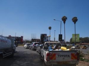 P1049447 - Drukte in Nakuru