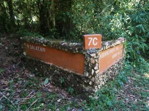 P1069656 - Wegwijzer Kakamega Forest NR