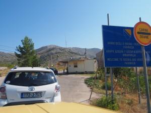 P9151117 - Grensovergang naar Bosnië