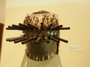 PA032082 - Abdeen Palace Museum (harnas met pistolen)