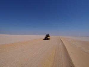 PA173723 - Zandpad naar Wadi el-Hettan