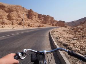 PA214020 - Op de fiets naar Dal der Koningen