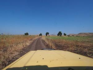 PB095435 - Onderweg naar campsite bij Dinder NP