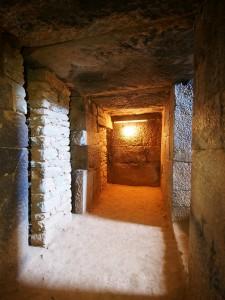 PB176336 - Graven van koning Kaleb en Meskel
