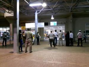 20170118 203929 - Wachten op Patricia op Entebbe Airport