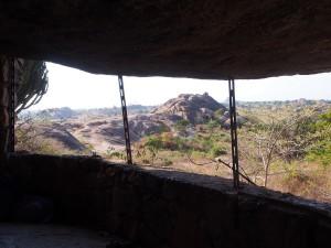 P1200698 - Uitzicht vanaf Nyero 3 rotstekeningen