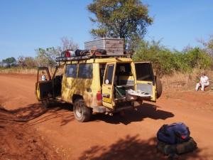 P1261347 - Theepauze onderweg naar Gulu