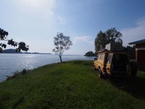 P2132464 - Kamperen aan het Kivu meer bij Kibuye