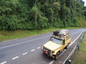 P2142509 - Rijden door Nyungwe Forest NP