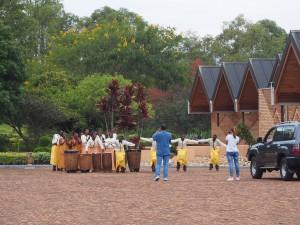 P2152574 - Dansvoorstelling bij Rwanda National Museum