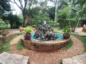 P2162598 - Tuin van Verzoening Kigali Genocide Memorial