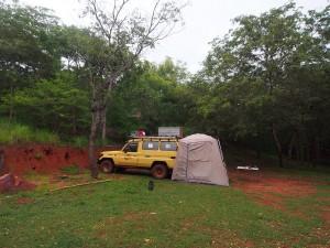 P2202858 - Kampje bij Jakobsen Beach