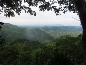 P3053882 - Uitzicht vanaf bar Lukwe Lodge