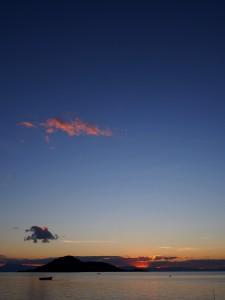 P3144744 - Zonsondergang over Malawi Meer