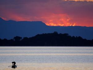 P3144749 - Zonsondergang over Malawi Meer