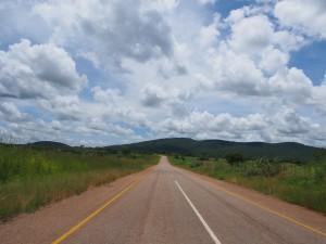 P3245248 - Onderweg naar Mfuwe