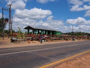 P4015831 - Marktje vlak voor Lusaka