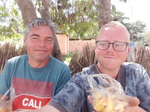 20170407 133845 - Selfie met patat bij Nalusanga Gate