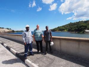 P4126163 - Gekke toeristen op Kariba dam