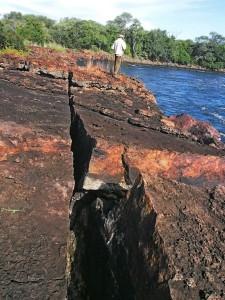 P4206762 - Rotsen Boiling Pot Ngonye waterval