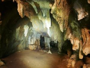 P5047883 - Zuidelijke ingang Gcwihaba Cave
