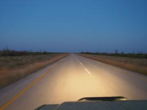 P5128610 - Door het donker rijden naar Gweta