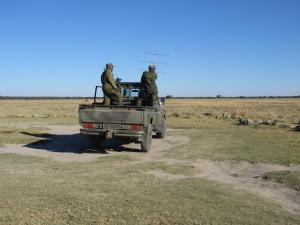 IMG 0021 - Soldaten in Khama Rhino Sanctuary