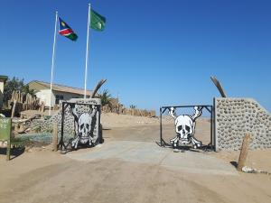 20170625 122657 - Ugab gate Skeleton Coast Park