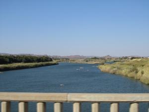 IMG 1100 - Eindelijk een rivier met water! Onderweg naar Augrabies NP