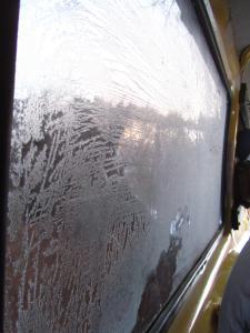 IMG 2156 - IJsbloemen in de auto, Semonkong lodge