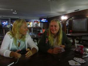 IMG 3547 - Nicole en Madelief bij afscheidsetentje Skiboat CLub