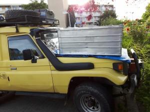 De dakkist, zoals deze straks op de motorkap komt te staan tijdens het verschepen
