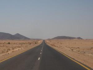 PA304750 - Woestijnweg richting Soleb