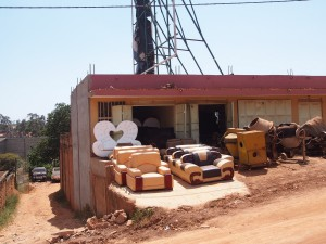 P1160364 - Staarbeeld Kampala