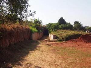 P1170394 - Marterkamers Idi Armin Buganda paleis in Kampala