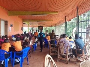 20170130 130123 - Overvol restaurant in Entebbe dierentuin
