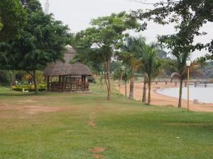 P1301708 - Strandje Victoriameer Entebbe dierentuin