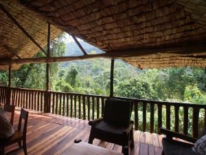 P2072134 - Uitzicht restaurant Buhoma Community Camp