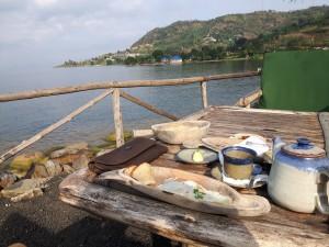 20170213 081015 - Ontbijt aan Kivu meer