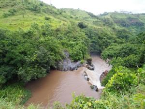 P2283421 - Watervalletje onder Gods Bridge