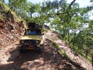 P3053696 - De weg weg naar Livingstonia