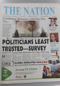 20170321 090813 - Brouwerij in de fik en corrupte politici op 1 pagina