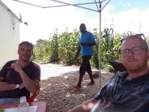 20170401 121731 - Even een drankje doen onderweg naar Lusaka