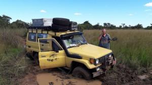 20170403 142741 - Kanarie neemt modderbad nabij Pinnon Lodge