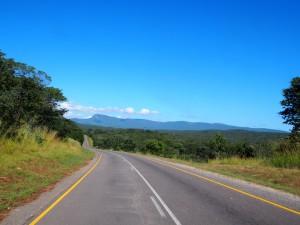 P4015813 - Lege wegen van Zambia (Great Eastern Road)