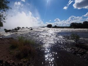 P4176612 - Victoria watervallen (vlak voor de val)